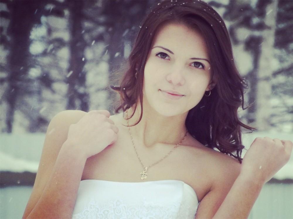 foto-devushek-iz-kirova-kormyashaya-s-bolshimi-siskami-porno