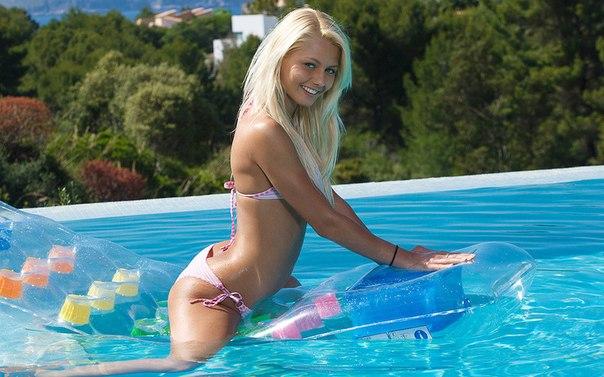 девки в бассейне смотреть онлайн-кл1